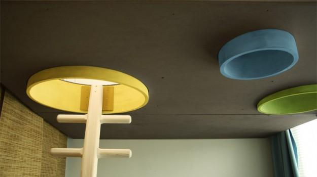interier-rodinneho-domu-rekonstrukcia-bratislava-stare-mesto-foto-07-interierovy-dizajner-moderny-styl-dreveny-rebrik-detska-izba-galeria-na-hranie-detail