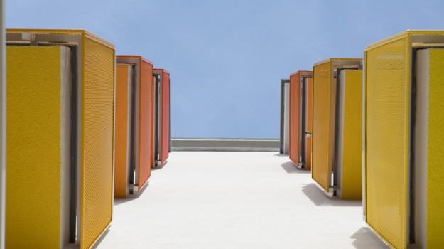 redizajn-fasady-bytovy-dom-colorhouse-1-topolcany-exterier-c-10-architekt-farebna-fasada