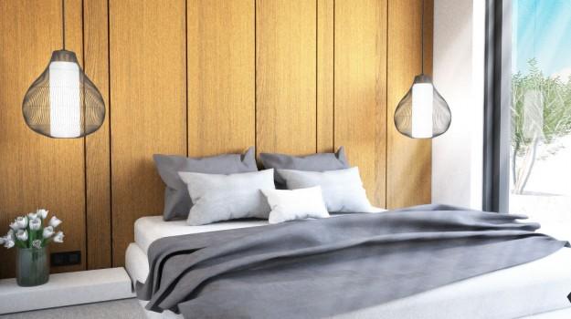 interier-mezonetoveho-bytu-novostavba-mytna-ul-bratislava-08-luxusny-byt-bytovy-dizajner-interierovy-architekt-archilab-zaujimava-luxusna-spalna-svetly-spalnovy-priestor-romanticky