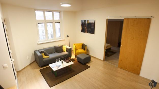 interier-bytu-rekonstrukcia-bratislava-stare-mesto-obyvacia-izba-posuvne-dvere-13